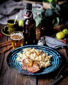 Dnes na obed vepřo-knedlo-zelo na slovensky sposob. Halusky s kapustou namiesto knedlika a zeli a vepřo dobre upečená krkovička.  ale je to mnamka! A jedno pivko k tomu paradne komfortne jedlo!   #coolinari #foodblog #foodphotography #halusky #strapacky #strapackyskapustou #foodblogger #foodlover #food #foodie #dnesjem #simply #delicious