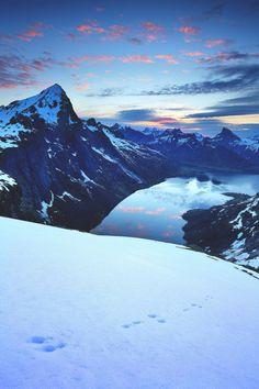 wiaduct:  lsleofskye:  Kirkefjord Lofoten Islands -...