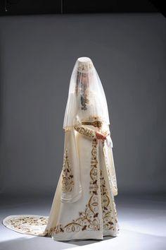 circassian Kaftan, Wedding Bride, Wedding Gowns, Dream Wedding, Traditional Wedding Dresses, Traditional Outfits, Armenian Wedding, Steampunk Costume, Folk Costume