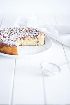 Lemon cake with ricotta - ricottakage med citron og mandler