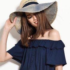Além de estiloso, o chapéu é essencial para se proteger do sol!