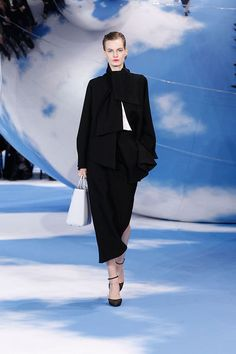 Fashion Tape, Fashion Shoes, Fashion Accessories, Christian Dior 2014, Crepe Skirts, Street Style Shoes, All About Fashion, Fall Winter, Autumn