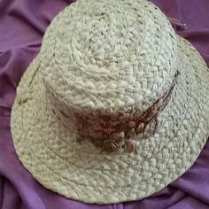 🍹🍶🐎🌴Kaminski Hat🌴🐎🍶🍹 Lovely raffia hat by Helen Kaminski handmade in Madagascar. Nice details with flowers and braided cords. Cushion pad inside front for comfort.  Perfect for the races,  Polo,  Tea with the BFF'S or tropical holiday! Never worn. 🏇🐎 Helen Kaminski  Accessories Hats