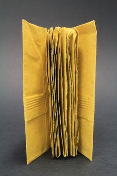 #chiaragregori #connessioni #workshop #visualdesign #idp #verona #graphicdesign #handmade #book #bindings #recycling