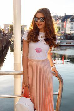 Miss Dior, Midi Skirt, Skirts, Fashion, Moda, Midi Skirts, Fashion Styles, Skirt