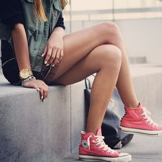 Skater girl . Converse . Casual outfits for teens