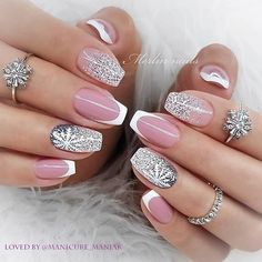 Year's Nail Designs That Are Perfect to Try Right Now Cute Christmas Nails, Xmas Nails, New Year's Nails, Hair And Nails, Gel Nails, Acrylic Nails, Classy Nails, Stylish Nails, Gorgeous Nails