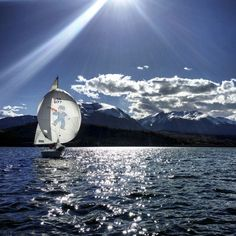 Pinotage- Sailing in the Mountans