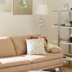 Cum poți lumina ziua unei persoane dragi? Oferă-i în dar elegantul lampadar Alana. Love Seat, Couch, Furniture, Home Decor, Settee, Decoration Home, Sofa, Room Decor, Home Furnishings