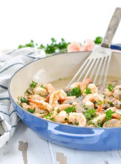 A healthy, meal comes together in one skillet with this delicious Garlic Shrimp! Serve it over pasta, rice or with crusty bread. Healthy Casserole Recipes, Easy Pasta Recipes, Seafood Recipes, Healthy Dinner Recipes, Summer Recipes, Skillet Shrimp, One Pot Dinners, Garlic Shrimp, Easy Salads