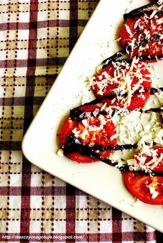 Pomidory z sosem balsamicznym, serem pecorino i bazylią