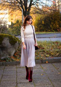 Petite Fashion, Retro Fashion, Cloche Hat, Midi Skirt, Tulle, Winter Jackets, Pastel, Skirts, Romantic
