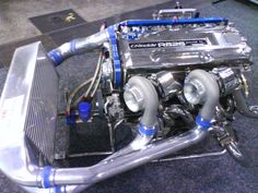 HEAD TO HEAD TEST: What's better Big singles or Twin turbos