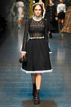 Dolce & Gabbana Fall 2012 RTW - Review - Collections - Vogue#/collection/runway/fall-2012-rtw/mdgabbana/1/#/collection/runway/fall-2012-rtw/mdgabbana/1/