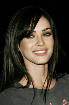 Beautiful Haircut of Megan Fox Megan Fox Hot, Megan Fox Style, Megan Denise Fox, Thick Blonde Hair, Dark Hair, Megan Fox Pictures, Megan Fox Images, Hooded Eye Makeup, Beautiful Eyes