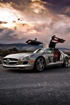 Mercedes Benz Gentleman's Essentials