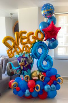 Sonic Birthday Cake, Sonic Birthday Parties, Sonic Party, Birthday Balloon Decorations, Birthday Balloons, 21 Balloons, Party Ballons, Hedgehog Birthday, Balloon Arrangements