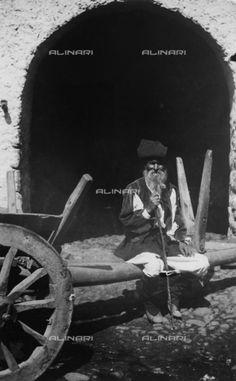 BAQ-F-001222-0000 - Ritratto di contadino sardo - Data dello scatto: 1904 - Archivi Alinari, Firenze