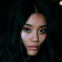 #makeup CRYSTALYXX versacegods:Ming Xi @ Just Cavalli Spring 2013