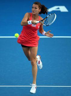 Radwanska d. Halep, 6-3, 6-1, in Auckland.