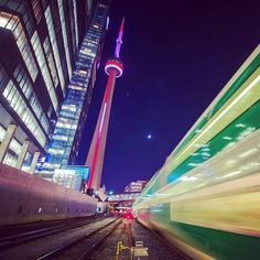 Cities move fast, not everyone can keep up...#OutlineTheSky #RepYourCity #Toronto #Canada  Photo: @insightimaging