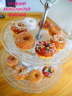 Ihanat pienet minidonitsit paistuvat kätevästi laadukkaalla minidonitsipellillä uunissa. Näitä donitseja on hauska koristella ja napostella. Ohje on helppo ja donitsit paistuvat jo 7 minuutissa!