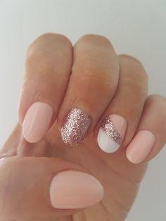 Kestolakkaus glitternails nailart
