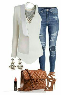 Aprende a utilizar tus #jeans rasgados en todo tipo de ocasiones, aquí te decimos cómo. #Outfit #OutfitConJeansRasgados #OutfitDeViernes #OutfitIdeas #Casual #StreetStyle #Blazer