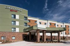 Courtyard by Marriott Houston North/Shenandoah Shenandoah (Texas) Free WiFi and an on-site restaurant are featured at this Shenandoah, Texas hotel. It is located adjacent to Woodforest Bank Stadium.  A cable TV and a desk are provided in each room at Courtyard by Marriott Houston North/Shenandoah.