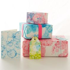 Bubble printed wrapping paper, cards and tags. Fun summer craft!