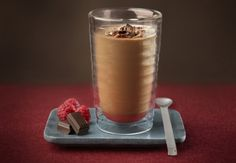 Iced Chocolate Coffee with Raspberry - Nespresso Ultimate Coffee Creations Coffee Shake, Coffee Latte, I Love Coffee, Iced Coffee, Coffee Drinks, Ginger Coffee, Coffee Pics, Coffee Quotes, Café Chocolate