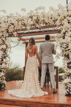 Destination Wedding Guest Dresses For Women Wedding Goals, Wedding Pics, Boho Wedding, Wedding Bride, Wedding Ceremony, Wedding Styles, Wedding Ideas, Weeding Dress, Wedding Dress Sleeves