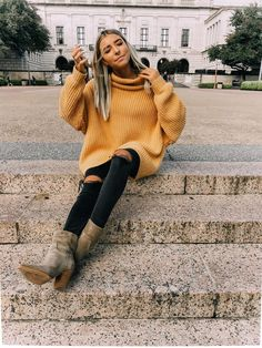 Dive into the fall comfy sweater vibes with these outfits!,Dive into the fall comfy sweater vibes with these outfits! Find the right all outfit inspo for you with sources! fall outfit women, fall outfit for te. Classy Fall Outfits, Simple Winter Outfits, Fall Outfits For Teen Girls, Fall Outfits 2018, Fall Outfits For Work, Trendy Outfits, Winter Style, Crazy Outfits, Black Outfits