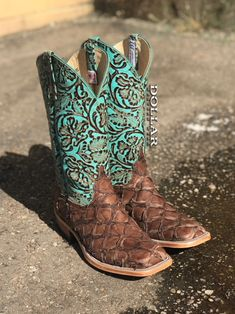 Women's Chocolate Big Bass-Turquoise Tooled Top Anderson Bean Boots Western Shoes, Western Wear, Western Dresses, Cowgirl Style, Cowgirl Boots, Cowboy Boots Women, Crazy Shoes, Me Too Shoes, Anderson Bean Boots