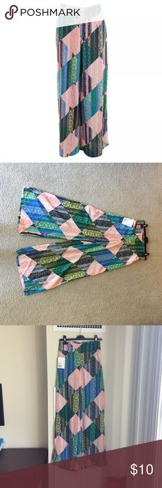 Bar III Palazzo pants size S NWT gorgeous colors! Brand new, can't wear it because I'm pregnant and need closet space! Bar III Pants Wide Leg