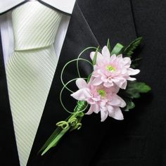 Wedding Boutonniere Ideas with mums   Use corsage pins, easy boutonniere pins or magnets to attach the lapel ...