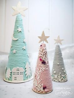 Christmas cones - The creative couple Pink Christmas Decorations, Diy Christmas Tree, Christmas Crafts For Kids, Homemade Christmas, Christmas Projects, Simple Christmas, Holiday Crafts, Christmas Holidays, Christmas Ornaments