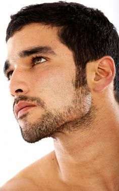 Designer stubble Stuck in a rut and need beard inspiration? Check out our facial hair guide. Classic Mens Haircut, Designer Stubble, Mens Hair Colour, Hair Colors, Beard Styles, Hair Styles, Greek Men, Haircut Pictures, Too Faced