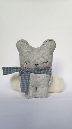 Antonio The Teddy Bear pocket teddy bear pocket di Mycuddle Softies, Plushies, Bear Nursery, Easy Sewing Projects, Stuffed Toys, Felt Toys, Diy Baby, Handmade Toys, Copycat