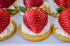 ritz cool whip strawberries - Google Search Easter Appetizers, Appetizer Recipes, Snack Recipes, Yogurt And Granola, Strawberries And Cream, Easter Recipes, Easy Snacks, Clean Eating Snacks, Creme