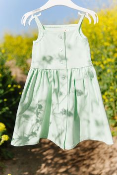 $46 · Pips and Poppy 'Heather Dress' in Sweet Mint green. Soft and comfortable for your active toddler. Slightly stretchy and button-up front. Available in sizes 18M-5T. 95% cotton 5% spandex. #girlsdresses #littlegirlsfashion Little Girl Summer Dresses, Cute Little Girls, Girls Dresses, Future Clothes, Summer Looks, Mint Green, Poppy, Rompers, Spandex
