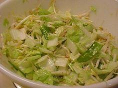Salade de fèves germées et de chou chinois