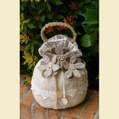 Portapanettone trasformabile in fermaporta beige garden ideas diy Catalogo prodotti Altri kit natalizi Sock Crafts, Sewing Crafts, Sewing Projects, Projects To Try, Easy Crafts To Make, Diy And Crafts, Doorstop Pattern, Burlap Lace, Vintage Crafts