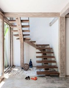 basil green pencil: Casa Lola - A Paradisaic Home in Brazil Rustic Stairs, Wood Stairs, Open Stairs, Beautiful Beach Houses, Beautiful Stairs, Beautiful Beaches, Interior Architecture, Interior Design, Floating Stairs