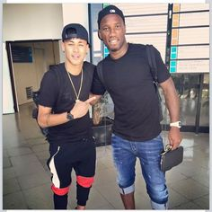 //Neymar Jr tietando.
