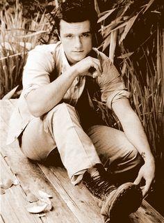 Josh Hutcherson _ _                           ____