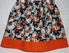 Ghost Having Fun  Skirt       Size 2  8
