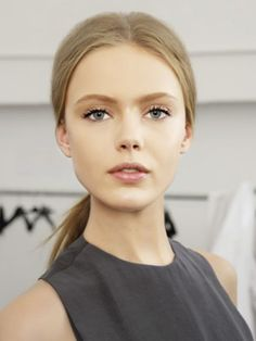 Makeup Inspiration - natural, glowy with focus on lashes.