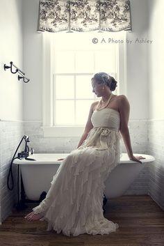 Bride and tub  www.aphotobyashley.com www.facebook.com/aphotobyashley