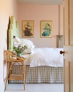 This dusty pink started out as a delicate wallpaper background — and was often requested as a paint colour! with its large dose of yellow pigment, now creates the softest blush of colour for a warm and soothing finish that doesn't feel sugary. Dark Wood Bed Frame, Farrow And Ball Bedroom, Wrought Iron Bed Frames, Bed Valance, Pink Paint Colors, Bathroom Vinyl, Purple Bedrooms, Country Bedding, Cheap Bed Sheets
